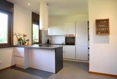 pavimento cucina resina trieste fvg